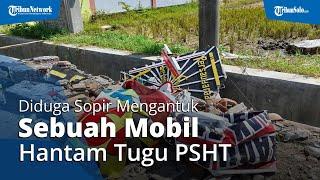 Sempat Tabrak Tugu PSHT dan Tiang Telkom, Sebuah Mobil Pelat B Terperosok ke Sawah di Baki Sukoharjo