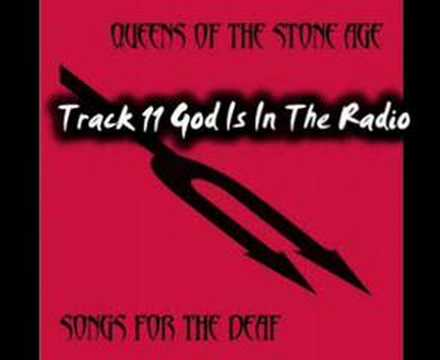 Queens of the Stone Age - God Is In The Radio