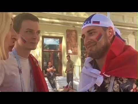 Болельщики Игорь и Олег из Оренбурга: после победы сборной России сегодня еще раз искупаемся в Волге