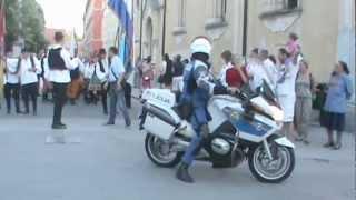 preview picture of video '15. Međunarodni festival folklora Karlovac 2012 (1-01): Mimohod / Otvorenje festivala'