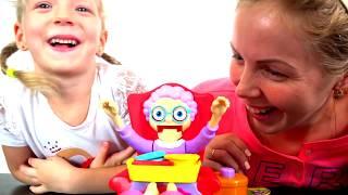 НЕ РАЗБУДИ БАБУЛЮ ЧЕЛЛЕНДЖ отбираем сладости у бабушки GREEDY GRANNY GAME Family FUN Смешное видео