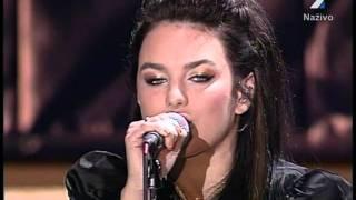 Ewa Farna - Ty Jsi Král + Maska (Večer Ludí Dobrej Vole 04-07-2011) part1