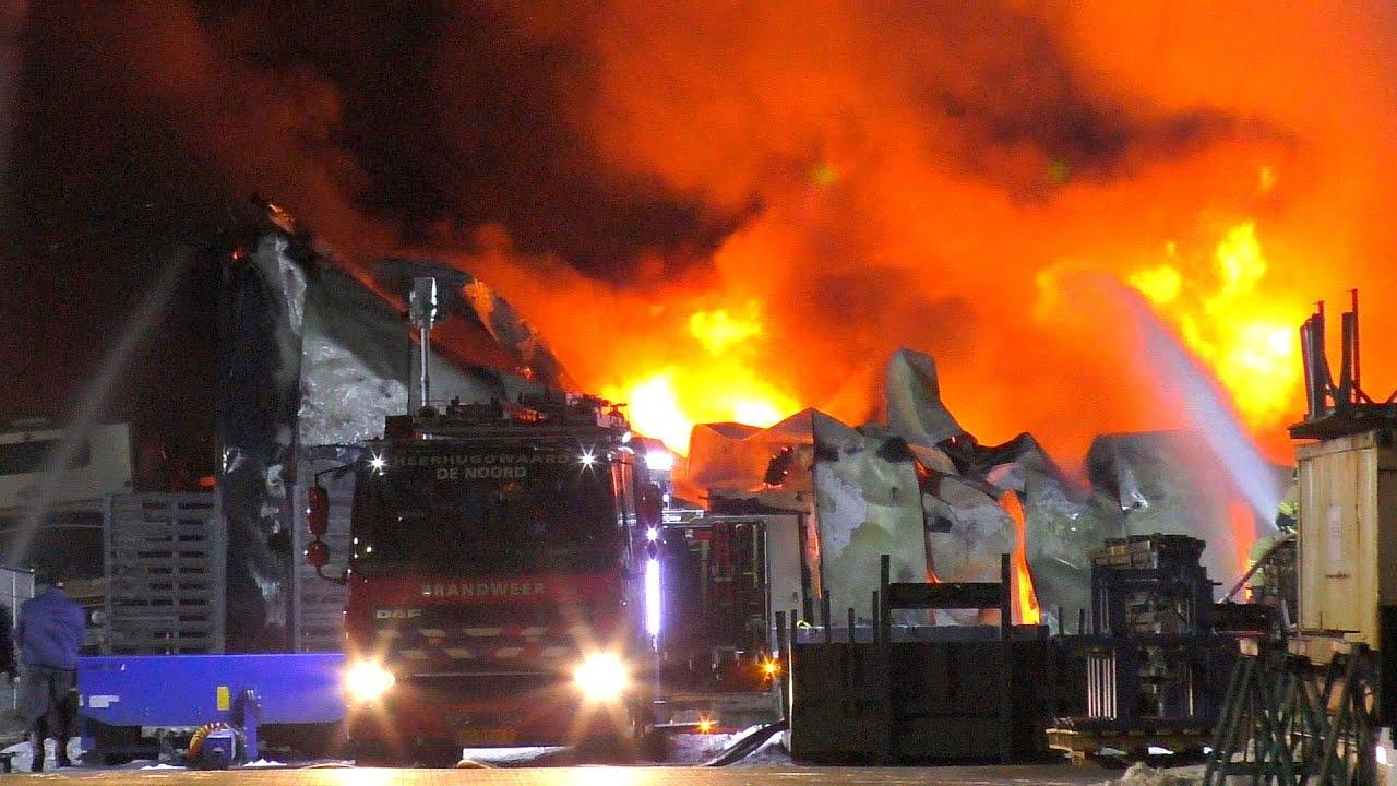 [13/02/2021] Zeer grote brand verwoest camper- en caravanopslag Zandruiter Winkel